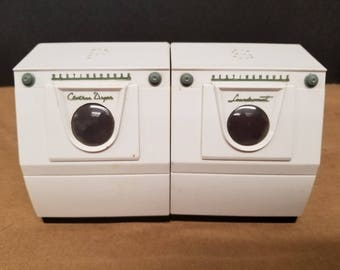 Vintage Washer and Dryer Salt and Pepper Shakers