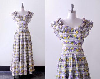 1940 peasant dress. xs. 40's floral print dress. long. ruffled. Purple & white flowers. Boho maxi.