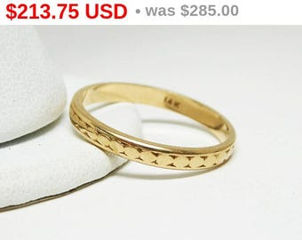 14K Yellow Gold Wedding Band Ring - Vintage 1930's Art Deco Gold Band Ring - Size 8 Antique Wedding ring - Engraved Eternity Stack Band