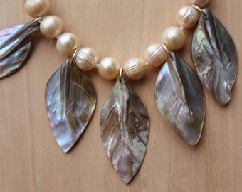 Mother of Pearl Leaves Necklace