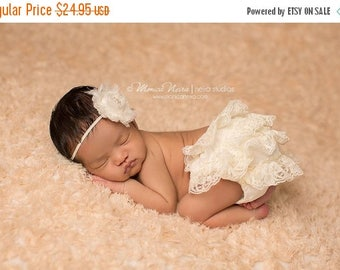 ON SALE Ivory Lace Bloomer and headband set, baby bloomers, diaper cover, newborn photo prop, baby girl bloomers