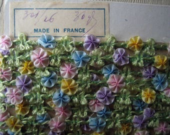 Antique French Ombre Ribbonwork Garland Trim Ribbon (Ref:  A-5249 Box 1)