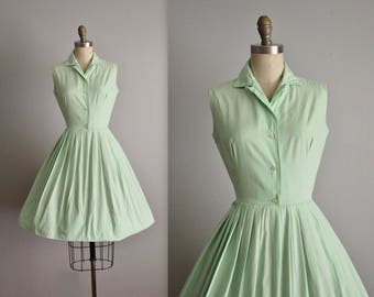 50's Shirtwaist Dress // Vintage 1950's Pale Green Cotton Full Garden Party Shirtwaist Dress XS