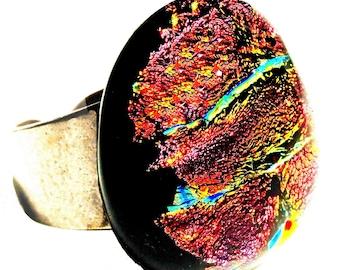 Modern fusing ring in dichroic glass, red, orange, multicolor, luminous, handmade, unique piece