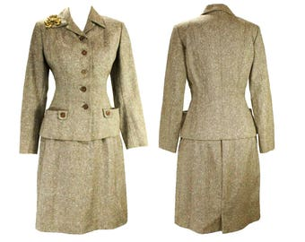Size 8 1940s Suit - Brown Flecked Wool Tweed Jacket & Skirt with Elegant 40s Brooch - Beautiful Tailoring - Fall Autumn - Waist 27 - 49239