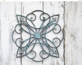 ON SALE Wrought Iron  Fleur De Lis Wall Hanging // Fleur De Lis Decor //Metal Wall Art //Patina Home Decor
