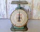 Vintage Scale, Kitchen Scale, Antique Family Scale, Green Scale, Eveready Family Scale