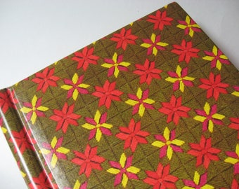 Yarn crochet print vintage photo picture album brilliant retro pink green gold black sheets