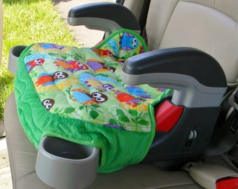 Booster seat cover, Replacement booster seat cover, Car accessory for Graco Turbo Booster seat in green Owl design and green minky trim