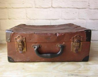 Vintage Metal Skate Case Suite Case Ice Skate Travel Case