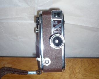 DeJur Embassy Magazine Eight 8mm movie camera 1940s