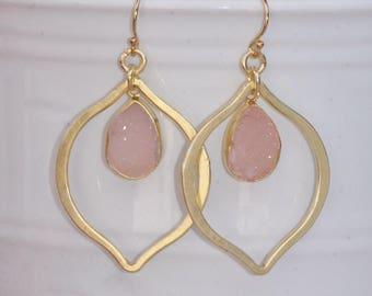 NEW Matte Gold Pale Pink Druzy Drop Earring,Gold CZ Druzy Quartz Gemstone,Pastel Dusky Pink Geode,Natural,Bridal Weddings,Natural Crystal