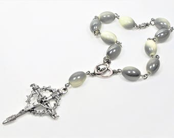 Car Rosary, Nail Crucifix Cary Rosary, Madonna Medal, Mother Mary and Baby Jesus, Religious Jewelry, Catholic Jewelry, Our Lady Beads