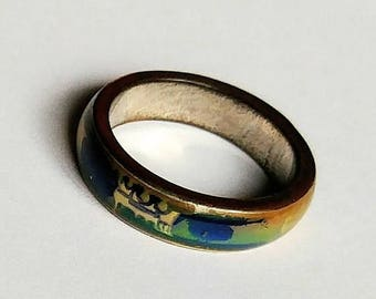 Changeable Colors Band Ring Size 9.5 Men or Women Rainbow Color Crazy Mood Ring