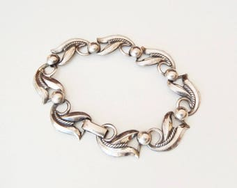 Sterling Silver Danecraft Bracelet Stylized Leaf Motif w/ Twisted Wire and Domes Design Repoussé Links 1950s Vintage Classic 925 Jewelry