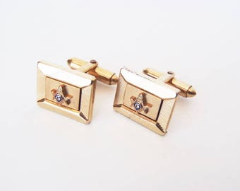 Vintage Masonic Cuff Links Signed Kreisler Quality USA 1/20 12K G.F. Framed Rectangle w/ Square & Compasses Emblem Clean Midcentury Design