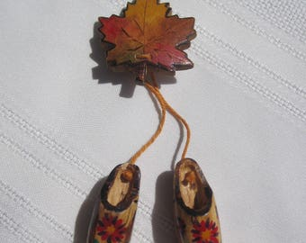 Vintage Wooden Maple Leaf and Shoes Souvenir Pin from Victoria B.C.