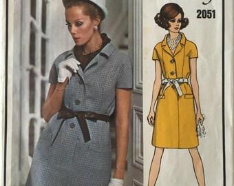 Vintage Vogue Paris Original Givenchy 2051, One Piece Dress with Front Buttons, 1960's, Bust 34