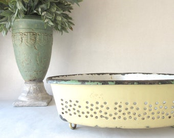 Vintage Enamelware Corner Sink Strainer Footed Drainer Colander Cream Green