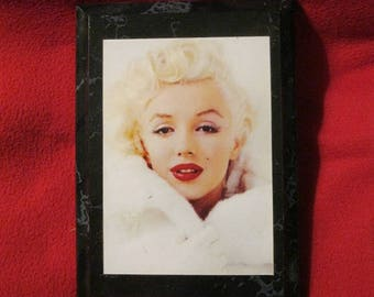 MARILYN MONROE.  Wood panel. Ship from Usa worldwide with delivery confirmation