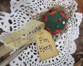 TOMATO PIN CUSHION~ Sewing Gift~ Christmas Gift~ Stocking Stuffer~ Farmhouse~ Primitive~ Quilt Gift~ Shelf Sitter~ Vintage~ Famhouse Decor~
