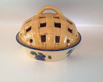 Blueberry Pie Plate, Covered Blueberry Pie Dish, Small Stoneware Pie Baker with Lattice Top