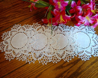 Four Linen Coasters Set of Linen and Lace Coasters Vintage Table Linens