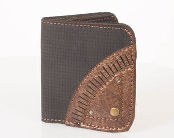 Handmade Leather Wallet | Men's Billfold Wallet | Black & Bronze | I attract money like a magnet engraving | 4 CC Slots | Gift for Him