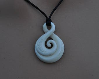 Eternal bonding Maori koru design symbolising eternal connections.