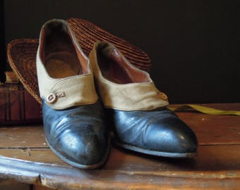 Vintage / Antique Edwardian Shoes / J and J Slater New York / 1920's Side Button Shoes / Roaring 20's / Downton Abbey / Louis Heel