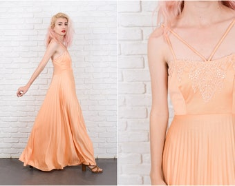 Vintage 70s Crochet Lace Maxi Dress Boho Peach Pleated Flower XS 9711