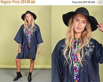 FLASH SALE 60s Navy Blue Kimono Robe Vintage Dragon Embroidered Robe