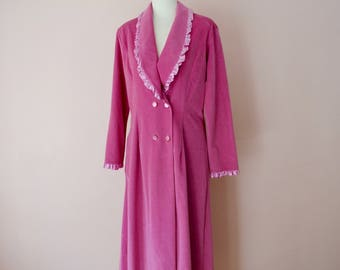 Warm Robe. Pink Long Robe.  Double Breasted with Satin Ruffle. Snuggly. Vintage Lingerie. US Modern Size Small Medium  VL397