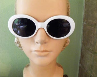 White Retro Sunglases,
