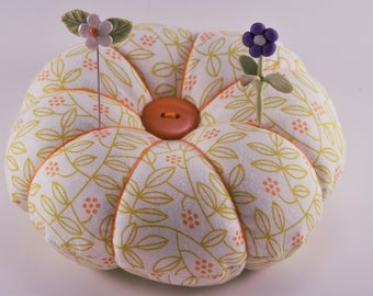 Leaf and Vine Design Pincushion with decorative pins, Modern Flower Pincushion, Large Round Pincushion for all of your pins and needles