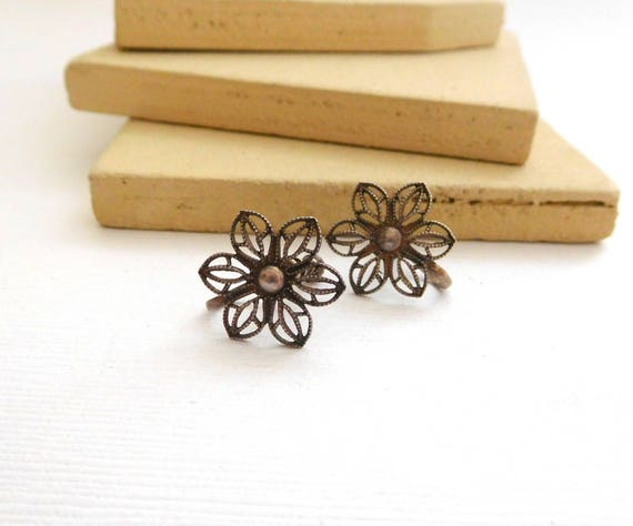 Vintage Marked Sterling Silver Filigree Flower Screw Back Earrings NN29