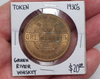 Vintage 1930s Green River Whiskey Good Luck Coin Horseshoe and 4-Leaf Clover - Token, Exonumia, Advertising, Alcohol