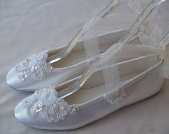 Ivory Wedding Flats beaded Appliqués, Satin Ivory beaded Shoes, Lace Applique with Pearls, Lace Up Ribbon Slipper, Comfortable Wedding Shoes