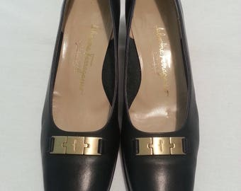 SALE!!!  Midnight Blue Salvatore Ferragamo Pumps Size 9AA