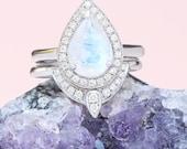 Pear Moonstone Engagement Ring, Gold Moonstone & Diamonds Bridal Ring Set, Unique Birthstone Ring, Pear Moonstone Ring, 14K White Gold Ring