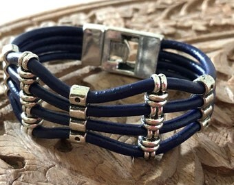 Navy blue leather bracelet with silver / bracelet with sliders / blue leather / silver / zamack