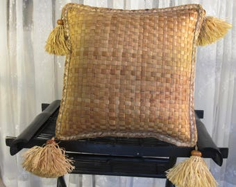 Vintage 90's woven straw tasseled square floor pillow 18""