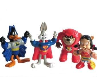 Looney Tunes Daffy Bat Duck Super Bugs Bunny Taz Flash Petunia Wonder Pig McDonald's Happy Meal 1990's Cartoon Characters