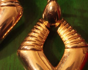 Vintage 1980s Boho Chic Gold Drop Clip  Earrings