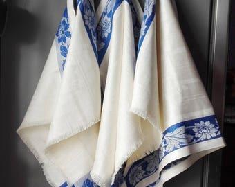 Linen tea towel. Jacquard Linen Towel. Linen kitchen towel. Jacquard tea towel. Striped tea towel. Blue striped towel.
