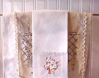 Lovely Little Vintage Guest Towel with Embroidered Nylon Inset