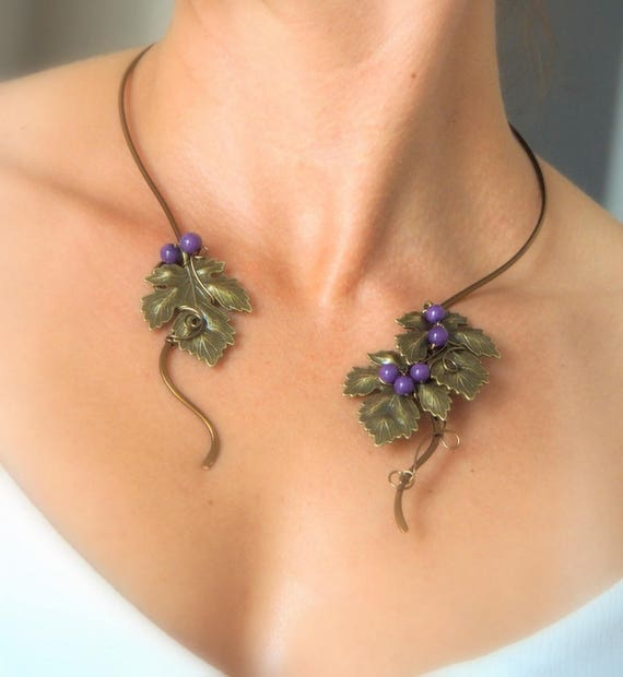 Bronze Wire collar with leafs and purple jade