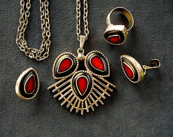 Dynamic Dynasty Sarah Coventry Vintage Jewelry Red & Black Stone Necklace Earrings Finger Ring Gold Plated Elegant Mother's Day Gift for Her