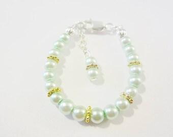 Newborn baby/Toddler or Childrens sterling silver filled pearl bracelet.