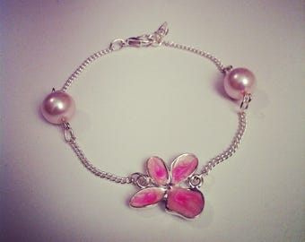 Bracelet with cherry blossoms in enameled metal and pink beads
